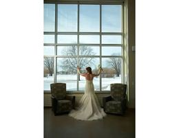 UW Oshkosh Alumni Welcome And Conference Center is a  World Class Wedding Venues Gold Member