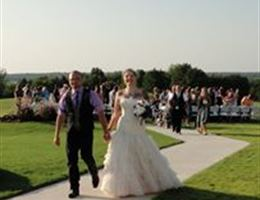 Bell Cow Ranch Cabins And Lodge is a  World Class Wedding Venues Gold Member