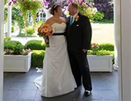 The Grand Willow is a  World Class Wedding Venues Gold Member