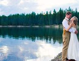 Holland Lake Lodge is a  World Class Wedding Venues Gold Member