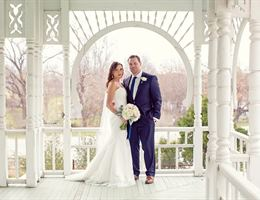 Barr Mansion And Artisan Ballroom is a  World Class Wedding Venues Gold Member