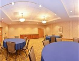 Holiday Inn Laramie is a  World Class Wedding Venues Gold Member