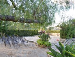 Saddle Peak Lodge is a  World Class Wedding Venues Gold Member
